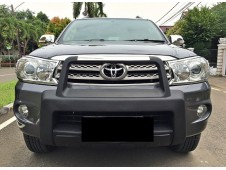 Toyota Fortuner G Lux Bensin 2011 at Istimewa KM Low